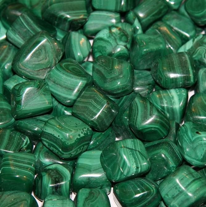 Зеленые камни фото и названия